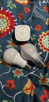 Wemo Link and 2 compatible bulbs Airdrie, T4B