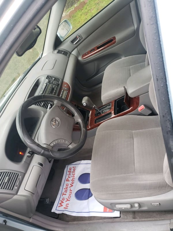 2005 Toyota Camry XLE V6 5AT 2