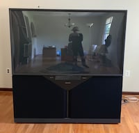 Mitsubishi 2002 HDTV Projection TV