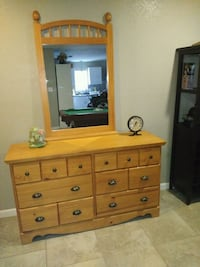 Dresser with mirror San Antonio, 78217
