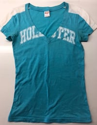 Hollister Blue and White V Neck Shirt - Size Small San Francisco, 94103