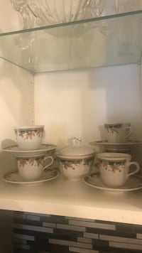 white and gray ceramic tea set Montréal, H3X