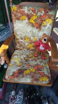red and brown floral armchair El Paso, 79905