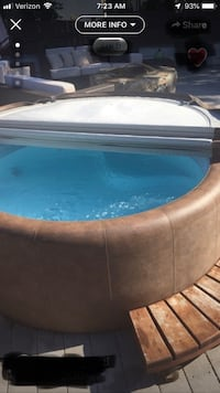 Softub 300 Jacuzzi - Plug n Play uses 120V outlet great condition easy to set up & clean Adamstown, 21710