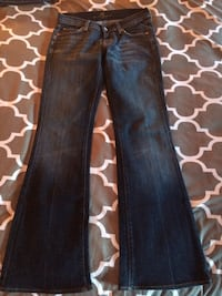 Designer Jeans sizes 27/28 boot cut and skinny never been worn Kingston, 02364