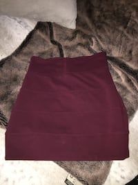 Burgundy pencil skirt aritzia  Calgary, T3C 0P1