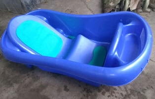 Nice Clean Baby Bathtub  / Baby Bath Tub