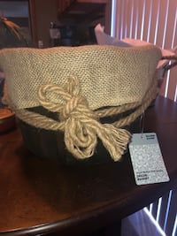 Wooden basket w/ burlap liner Elgin, 29045