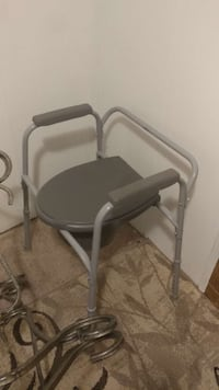 adult's gray commode