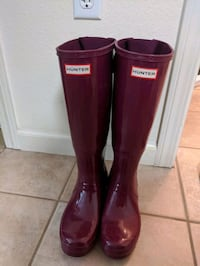 Hunter Boots Tall Sz 7 Wide Calf Magenta