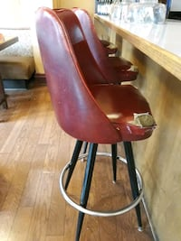 3 bar stools Vancouver, 98660