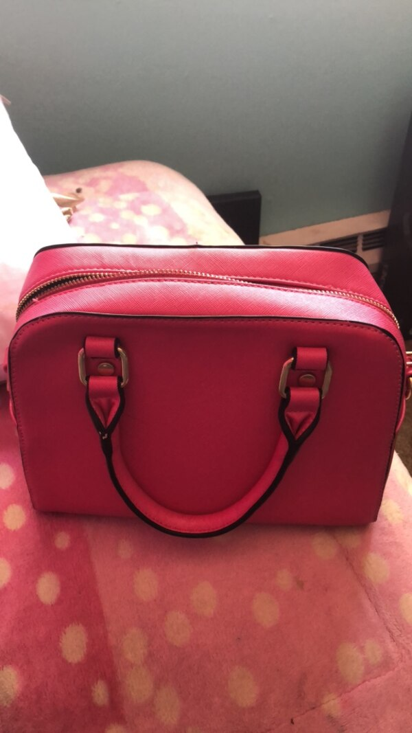 4197c960dbb Used red leather 2-way bag for sale in San José - letgo