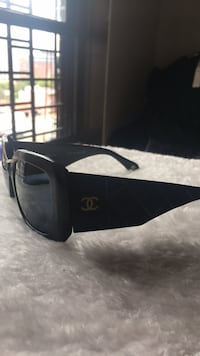 chanel italia used but good frame ladies New York, 11205