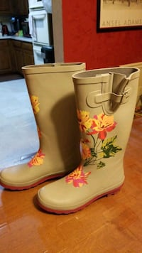 Nancie Rainboot, 7.5 Springfield, 22153