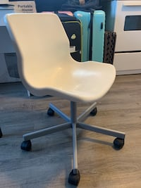 Ikea white chair with wheels