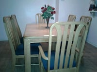 Table & 6 chairs with 2 leaves. Woodbridge, 22193