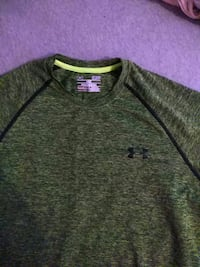 Men's small under armour green t shirt Columbia, 38401