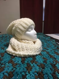 white and brown knit hat Mississauga, L5G 3X5