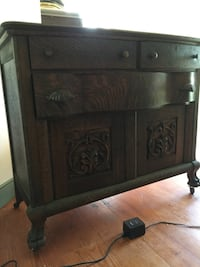 Myersville antique, quarter hewn oak with claw fee Hagerstown, 21740