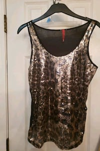 Sleeveless top sm/med
