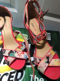 white-and-red floral peep-toe pumps Newark, 07104