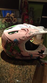 Pink and multicolored motocross helmet Dickson City, 18519
