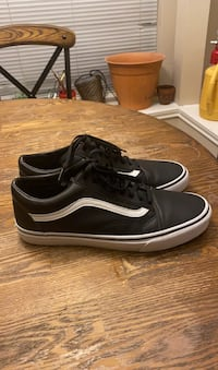 Leather Vanz old Skooly sneaker size 11
