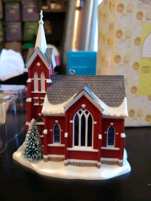 "Hallmark Keepsake: ""Central Tower Church""  ec6da2a7-438f-4cd1-a938-9bfa96cd03ee"