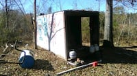 Building great for storage or work area. Convenient roll back door.