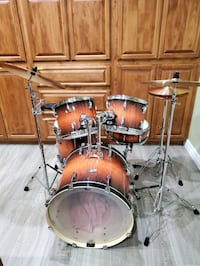 New Pearl Vision Drum set with Paiste 2002 Cymbals, Remo Heads
