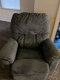 Lazyboy recliner Ellicott City, 21043
