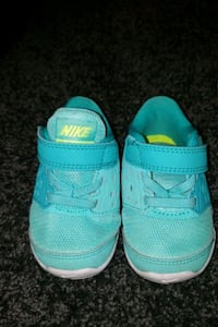pair of teal-and-green sneakers Fort Washington, 20744