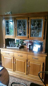 brown wooden display cabinet with cabinet Adamstown, 21710