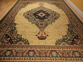Green Traditional Area rug NEW