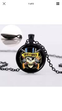 black and red skull pendant necklace Stockton, 95219