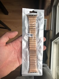 Rose Gold Stainless Steel BAND Apple Watch (BRAND NEW) Grimsby