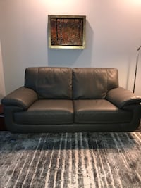 black leather 3-seat sofa Barrie, L4N
