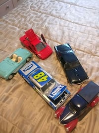 Collection of metal replica cars Surrey, V3S 7A3