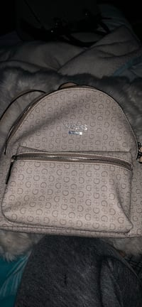 Cream and tan guess backpack Pittsburg, 94565