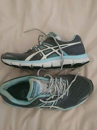 pair of new Asics running shoes Coconut Creek, 33066