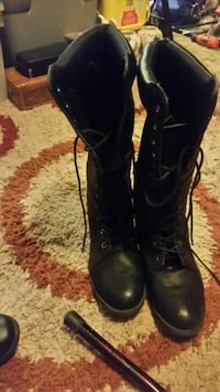 Ladies boots size 10 West Columbia, 29172