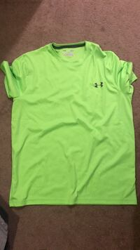 Shirt Under Armour  sz Large Granite Bay, 95746