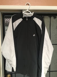 Nike windbreaker jacket  Modesto, 95350