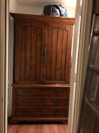 brown wooden 2-door cabinet Montgomery Village, 20886