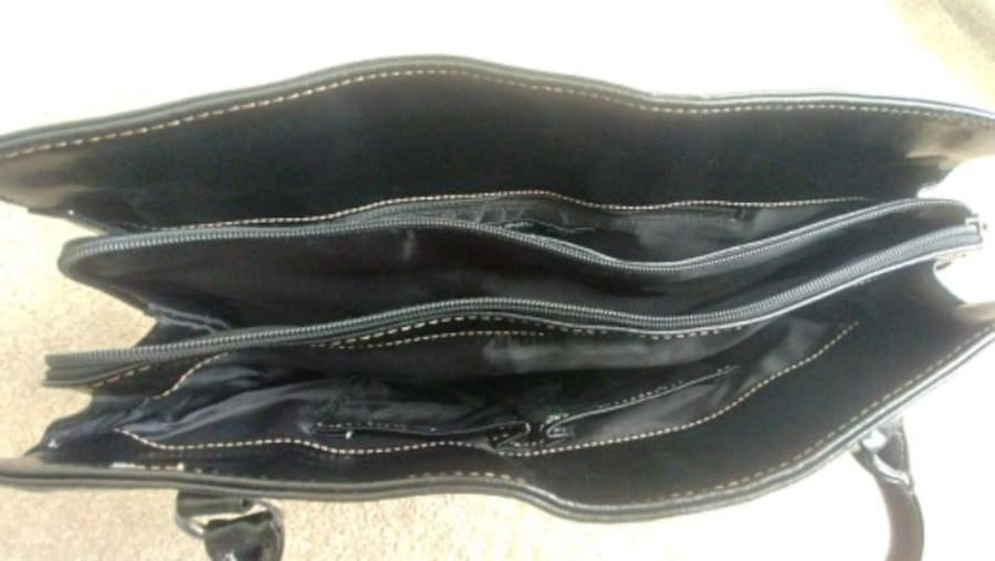 Mundi handbag/ shoulder bag Used  478bb3fe-4f21-4e62-a50c-55efd48ee705
