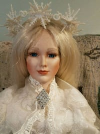 House of Lloyd Snow Queen limited edition written  Warwick