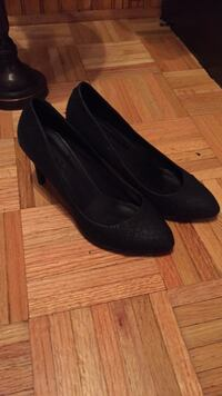 Pair of black suede heeled shoes5.5 Sainte-Sophie, J5J