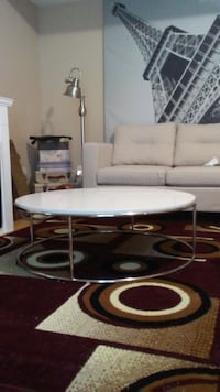 Round White Enamel Coffee Table Surrey, V3S 3T1