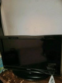 black flat screen TV with remote Biloxi, 39530