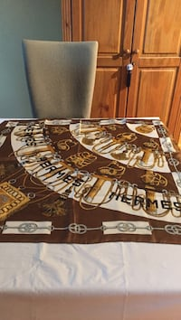 brown and white area rug Gatineau, J8T 5G1